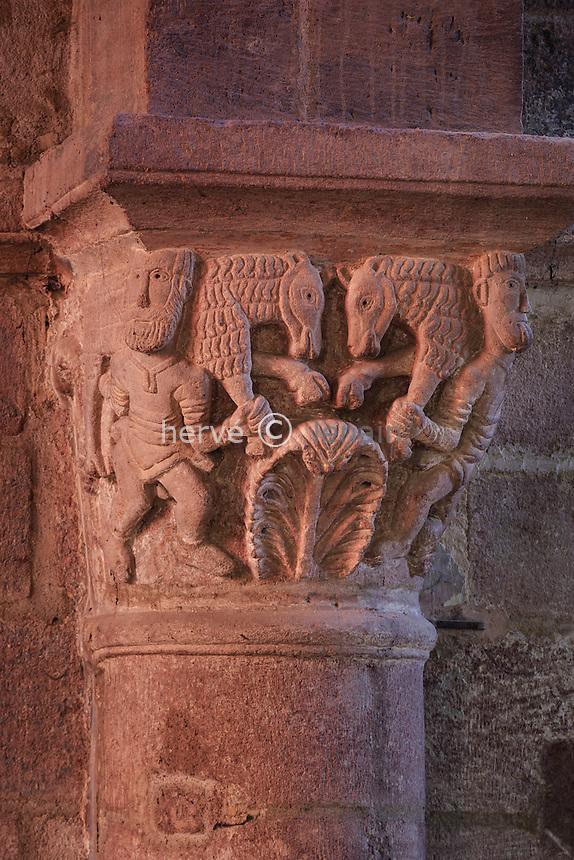 France, Haute-Loire (43), Brioude, la Basilique Saint-Julien de Brioude, chapiteau // France, Haute Loire, Brioude, Basilica of Saint Julien, capital