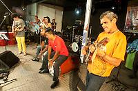 """Cantor e compositor Milton Rocha defende sua música """"Faceira""""Festival de carimbó de Marapanim.<br /> O município de Marapanim, no nordeste do Pará, recebe nos dias 29, 30 e 31 de maio o Festival do Carimbó, uma celebração da manifestação cultural que no ano de 2014 recebeu o título de Patrimônio Cultural Imaterial da Cultura Brasileira.<br /> Pará, Brasil.<br /> Foto Paulo Santos<br /> 29/05/2015"""