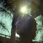 """Buenos Aires, Argentina. Cecilia, studentessa della UBA, l'università di Buenos Aires, e il telo di Recoleta che frequenta. """"E' molto comune, dopo il boliche (la discoteca), finire la serata in un telo. E' quasi uno status symbol"""""""