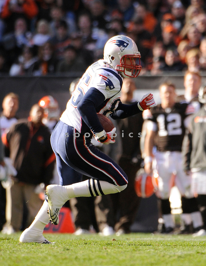 AARON HERNANDEZ, of the New England Patriots, in action during the Patriots game against the Cleveland Browns on November 7, 2010 at Cleveland Browns Stadium in Cleveland, Ohio.  ..The Browns beat the Patriots 34-14...
