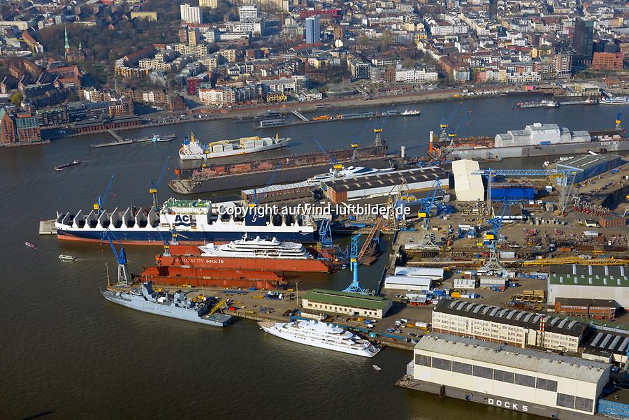 Blohm und Voss : EUROPA, DEUTSCHLAND, HAMBURG, (EUROPE, GERMANY), 28.03.2017: Blohm+Voss auf Steinwerderam südlichen Ufer der Norderelbe. Sie wurde 1877 gegründet und gilt als letzte der Großwerften im Hamburger Hafen. Seit 1996 sind die Geschäftsbereiche der Werft in eigenständige Gesellschaften überführt: die Blohm + Voss Shipyard GmbH für Schiffbau, die Blohm + Voss Repair GmbH für Schiffsreparaturen sowie die Blohm + Voss Industries GmbH für Maschinen- und Anlagenbau.<br /> Seit dem 28. September 2016 übernahme durch die  Lürssen Werft.