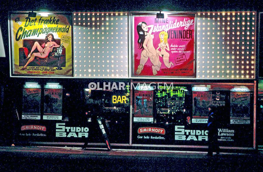 Fachada de cinema pornô. Copenhague. Dinamarca. 1985. Foto de Juca Martins.