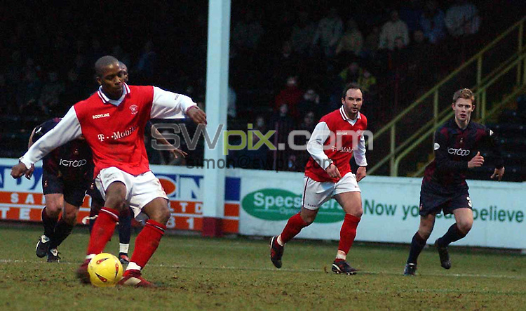 Pix: Aubrey Washington/SWpix.com....Football Nationwide League Divison One. Rotherham v Bradford City . 18/01/03..COPYRIGHT PICTURE>>SIMON WILKINSON>>01943 436649>>..darren byfield of rotheram scores a penalty....pic.aubrey washington