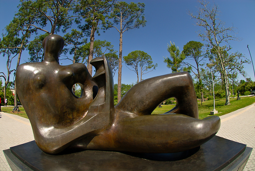 Reclining Mother and Child (sculpture by Henry Moore), Sculpture Garden, New Orleans Museum of Art, City Park, New Orleans, Louisiana, USA