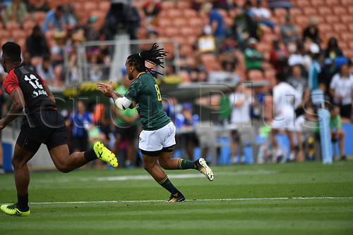 3rd February 2018, FMG Stadium, Waikato, Hamilton, New Zealand; HSBC World Rugby Sevens Series;  Caleb Clarke makes a break; NZ versus France