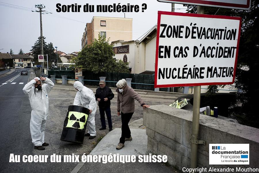 Lire l'article dans sa version &quot;r&eacute;glement&eacute;e&quot;:<br /> <br /> http://www.ladocumentationfrancaise.fr/pages-europe/pe000036-sortir-du-nucleaire-au-caeur-du-mix-energetique-suisse-par-alexandre-mouthon/article<br /> <br /> lire dans sa version originale &quot;non r&eacute;glement&eacute;e&quot;:<br /> <br /> http://alencontre.org/suisse/sortir-du-nucleaire-le-coeur-du-mix-energetique-suisse-place-dans-sa-perspective-europeenne.html<br /> <br /> Voir le portfolio &quot;Fen&ecirc;tre avec vue&quot;