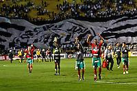 ATENÇÃO EDITOR: FOTO EMBARGADA PARA VEÍCULOS INTERNACIONAIS SÃO PAULO,SP,22 SETEMBRO  2012 - CAMPEONATO BRASILEIRO - SANTOS x PORTUGUESA - jogadores da Portuguesa  comemoram vitoria apos  partida Santos x Portuguesa  válido pela 26º rodada do Campeonato Brasileiro no Estádio Paulo Machado de Carvalho (Pacaembu), na noite deste sabado (22). (FOTO: ALE VIANNA -BRAZIL PHOTO PRESS)