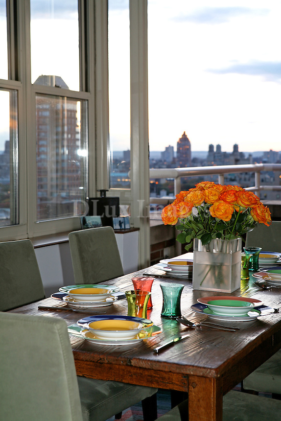 Chrysler Building, Empire State Building and other NYC landmarks like Central Park and beyond the Hudson to New Jersey are the daily views that  Elizabeth Cholnoky and her family enjoy every moment of the day from their 140 sq meters apartment.