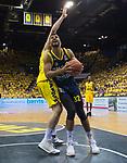 09.06.2019, EWE Arena, Oldenburg, GER, easy Credit-BBL, Playoffs, HF Spiel 3, EWE Baskets Oldenburg vs ALBA Berlin, im Bild<br /> Johannes TIEMANN (ALBA Berlin #32 ) Nathan BOOTHE (EWE Baskets Oldenburg #45 )<br /> <br /> Foto © nordphoto / Rojahn