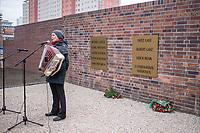 """Gedenken an Spartakus-Tote vom 13. Maerz 1919 an der """"Blutmauer"""" in Berlin Lichtenberg.<br /> am 12. Und 13. Maerz 1919, wurden in Berlin-Lichtenberg elf Mitglieder des Spartakusbundes von Angehoerigen der Reichswehr auf Befehl von Reichswehrminister Noske (SPD) standrechtlich erschossen. Ueber 1.200 Menschen kamen in diesen Tagen bei der Niederschlagung der Aufstaende ums Leben. <br /> 13.3.2019, Berlin<br /> Copyright: Christian-Ditsch.de<br /> [Inhaltsveraendernde Manipulation des Fotos nur nach ausdruecklicher Genehmigung des Fotografen. Vereinbarungen ueber Abtretung von Persoenlichkeitsrechten/Model Release der abgebildeten Person/Personen liegen nicht vor. NO MODEL RELEASE! Nur fuer Redaktionelle Zwecke. Don't publish without copyright Christian-Ditsch.de, Veroeffentlichung nur mit Fotografennennung, sowie gegen Honorar, MwSt. und Beleg. Konto: I N G - D i B a, IBAN DE58500105175400192269, BIC INGDDEFFXXX, Kontakt: post@christian-ditsch.de<br /> Bei der Bearbeitung der Dateiinformationen darf die Urheberkennzeichnung in den EXIF- und  IPTC-Daten nicht entfernt werden, diese sind in digitalen Medien nach §95c UrhG rechtlich geschuetzt. Der Urhebervermerk wird gemaess §13 UrhG verlangt.]"""