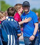 DEN HAAG -  manager David Voskamp (KZ)  met Koen Bijen (HCKZ)   na de eerste Play out wedstrijd hoofdklasse heren ,  HDM-HCKZ (1-2) . COPYRIGHT KOEN SUYK