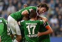 FUSSBALL   1. BUNDESLIGA   SAISON 2013/2014   6. SPIELTAG Hamburger SV - SV Werder Bremen                       21.09.2013 Santiago Garcia (SV Werder Bremen) ist beim Torjubel nach dem 0:1 obenauf