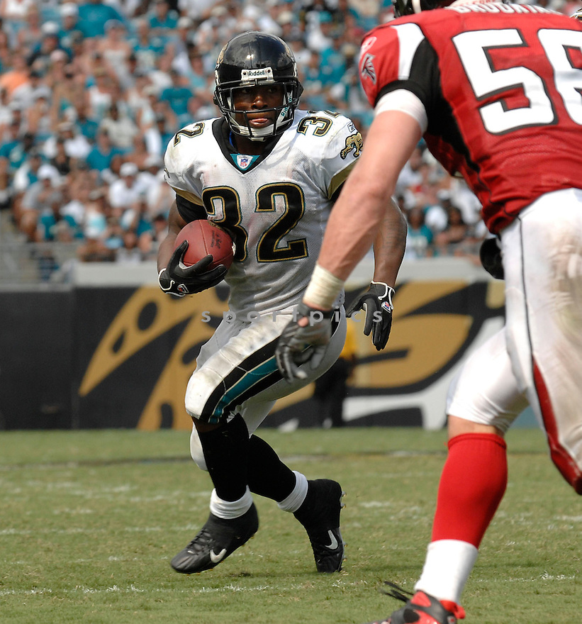 MAURICE JONES-DREW, of the Jacksonville Jaguars, in action during the Jaguars game against the Atlanta Falcons  in Jacksonville, FL on September 16, 2007.  The Jaguars won the game 13-7............