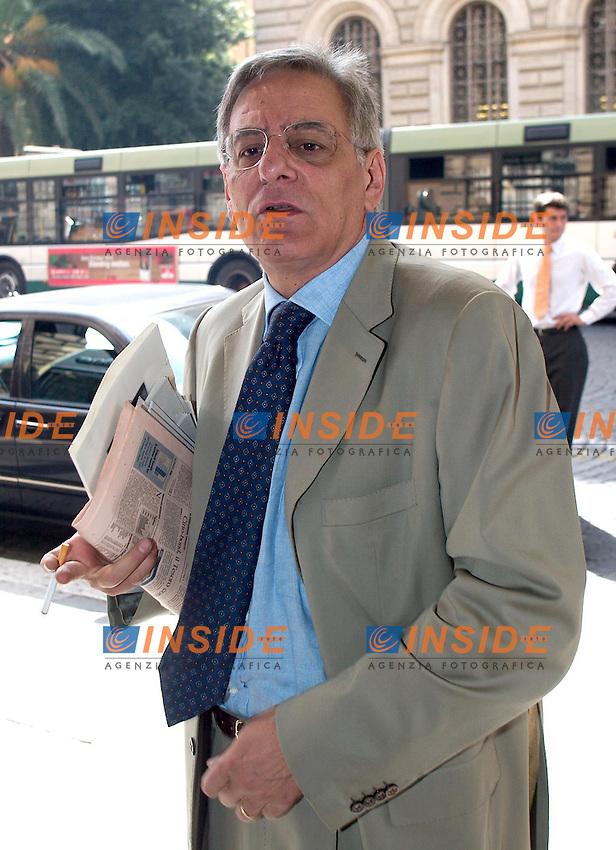Roma 26 giugno 2003 Teatro Eliseo <br /> Direzione Nazionale Democratici di Sinistra. <br /> Cesare Salvi<br /> Foto Andrea Staccioli Insidefoto