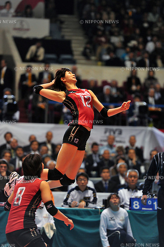 Saori Kimura (JPN),  NOVEMBER 18,2011 - Volleyball : FIVB Women's Volleyball World Cup 2011,4th Round Tokyo(A) during match between Japan 3-0 USA at 1st Yoyogi Gymnasium, Tokyo, Japan. (Photo by Jun Tsukida/AFLO SPORT) [0003]