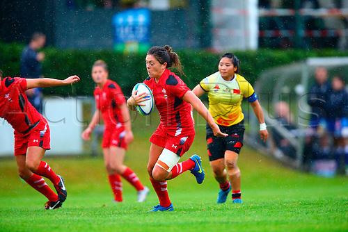 23.08.2015. Dublin, Ireland. Women's Sevens Series Qualifier 2015. Wales versus China<br /> Ffion Bowen (Wales) breaks through a gap.