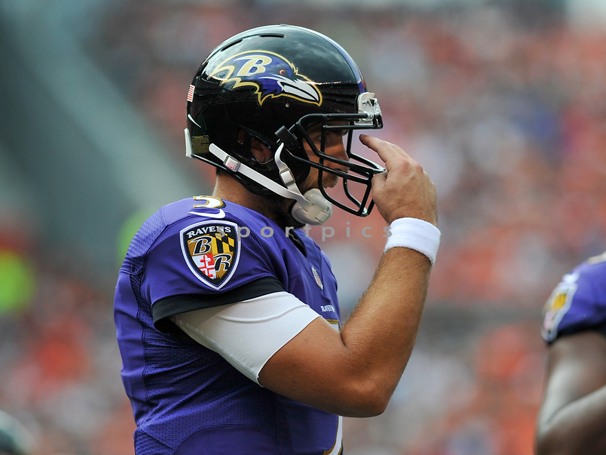 CLEVELAND, OH - JULY 18, 2016: Quarterback Joe Flacco #5 of the Baltimore Ravens gestures toward a receiver in the second quarter of a game against the Cleveland Browns on July 18, 2016 at FirstEnergy Stadium in Cleveland, Ohio. Baltimore won 25-20. (Photo by: 2017 Nick Cammett/Diamond Images)  *** Local Caption *** Joe Flacco(SPORTPICS)