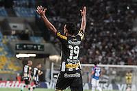 RIO DE JANEIRO, RJ, 05.02.2014 - Wallyson do Botafogo comemora seu segundo gol durante o jogo desta noite pela Libertadores contra Deportivo Quito no Estádio Mário Filho, o Maracanã. (Foto. Néstor J. Beremblum / Brazil Photo Press)