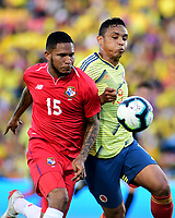 BOGOTA - COLOMBIA, 03-06-2019: Luis Muriel jugador de Colombia disputa el balón con Eric Davis jugador de Panamá durante partido amistoso entre Colombia y Panamá jugado en el estadio El Campín en Bogotá, Colombia. / Luis Muriel player of Colombia fights the ball with Eric Davis player of Panama during a friendly match between Colombia and Panama played at Estadio El Campin in Bogota, Colombia. Photo: VizzorImage / Nelson Rios / Cont