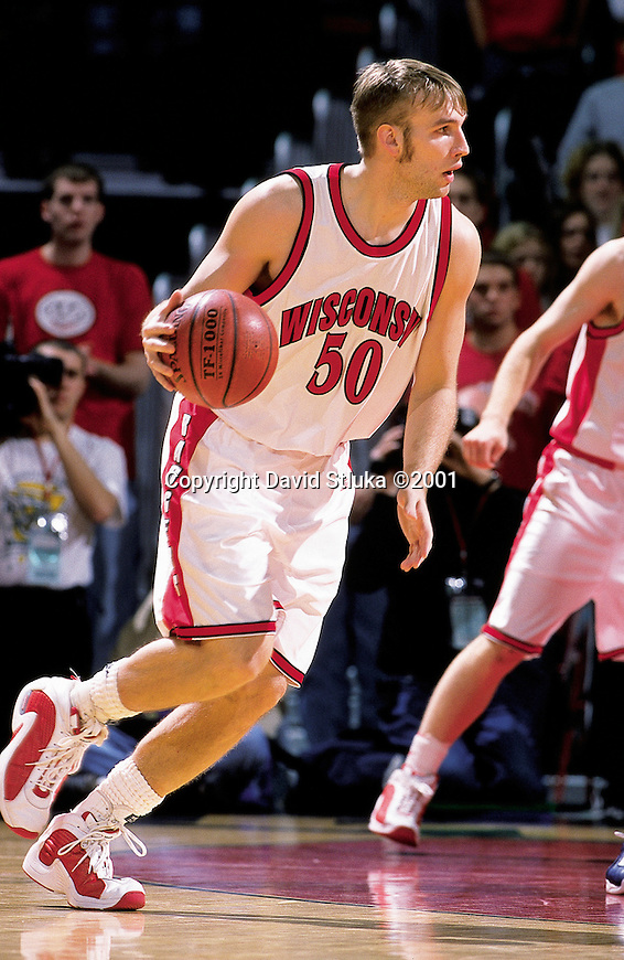 Mark Vershaw #50 of the University of Wisconsin handles the ball against the Xavier Musketeers at the Kohl Center in Madison, WI, on 12/15/2000. (Photo by David Stluka)