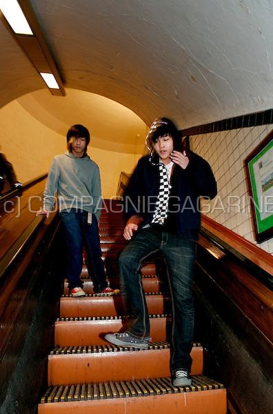 Tektonik dancers in the St-Annatunnel in Antwerp (Belgium, 07/01/2009)