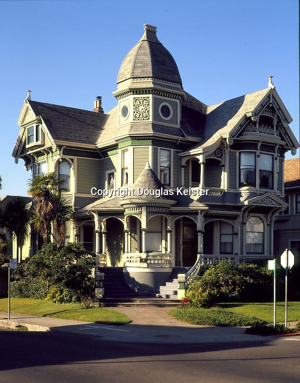 2070 San Jose at Willow.Alameda, CA