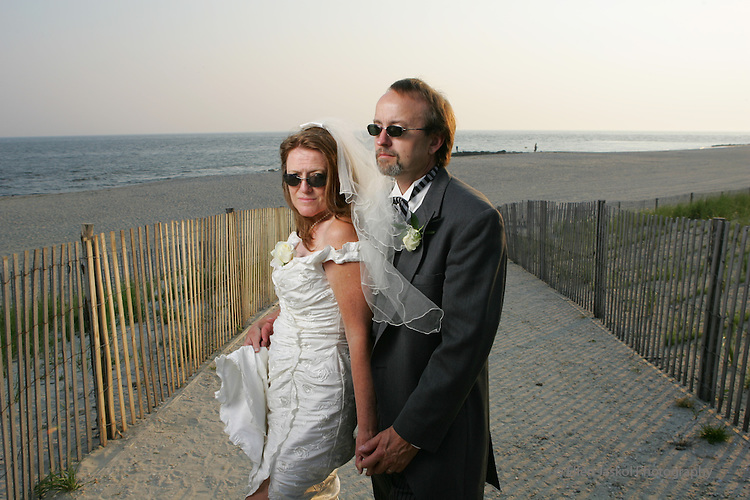 Linda and Richard's wedding in Cape May, New Jersey on June 18, 2006.  (ELLEN JASKOL/ROCKY MOUNTAIN NEWS).**