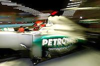 SINGAPURA, SINGAPURA, 21 SETEMBRO 2012 - FORMULA 1 - GP DE SINGAPURA - O piloto alemao Michael Schumacher da equipe Mercedes GP durante treino livre nesta sexta-feira, 21, para o GP de Singapura que acontecera no proximo domingo. (FOTO: PIXATHLON / BRAZIL PHOTO PRESS).