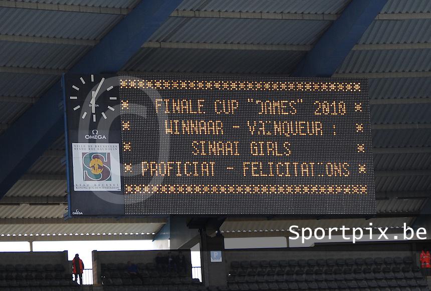 15 Mei 2010 Bekerfinale vrouwen : Sinaai Girls - RSC Anderlecht  : Winnaar Sinaai Girls.foto DAVID CATRY / Vrouwenteam.be