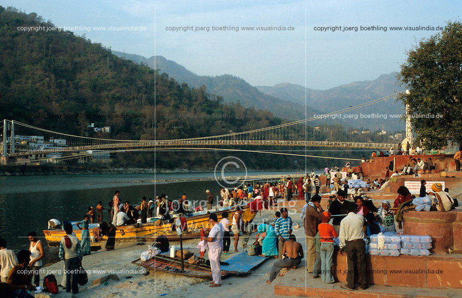 "S?dasien Asien Indien IND Rishikesh am Fluss Ganges . - Hinduismus Hindu Hindus Religion xagndaz | .Asia India Rishikesh at River ganges Ganga - Religion Hinduism .| [ copyright (c) Joerg Boethling / agenda , Veroeffentlichung nur gegen Honorar und Belegexemplar an / publication only with royalties and copy to:  agenda PG   Rothestr. 66   Germany D-22765 Hamburg   ph. ++49 40 391 907 14   e-mail: boethling@agenda-fototext.de   www.agenda-fototext.de   Bank: Hamburger Sparkasse  BLZ 200 505 50  Kto. 1281 120 178   IBAN: DE96 2005 0550 1281 1201 78   BIC: ""HASPDEHH"" ,  WEITERE MOTIVE ZU DIESEM THEMA SIND VORHANDEN!! MORE PICTURES ON THIS SUBJECT AVAILABLE!! INDIA PHOTO ARCHIVE: http://www.visualindia.net ] [#0,26,121#]"
