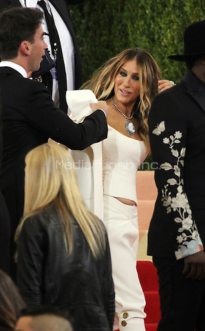 05 02 2016: Sara Jessica Parker at Manus X Machina: Fashion In An Age of Technology at Metropolitan Museum of Art in New York. Credit:RWMediaPunch