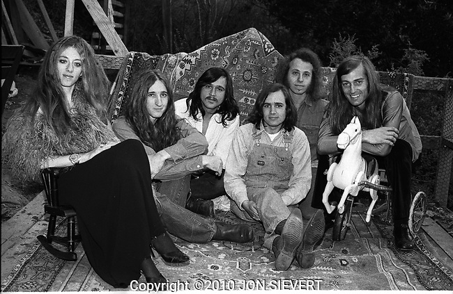 Big Brother and the Holding Company, 9/28/71, Fairfax, CA. Kathy McDonald, Mike Finnegan, Ted Ashford, Peter Albin, David Getz, Sam Andrew.8-11-14A