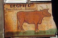 Europe/France/Aquitaine/24/Dordogne/Vallée de la Dordogne/Périgord/Périgord noir/Sarlat-la-Canéda: Vieille enseigne d'un marchand de bestiaux dans la rue Magnanat