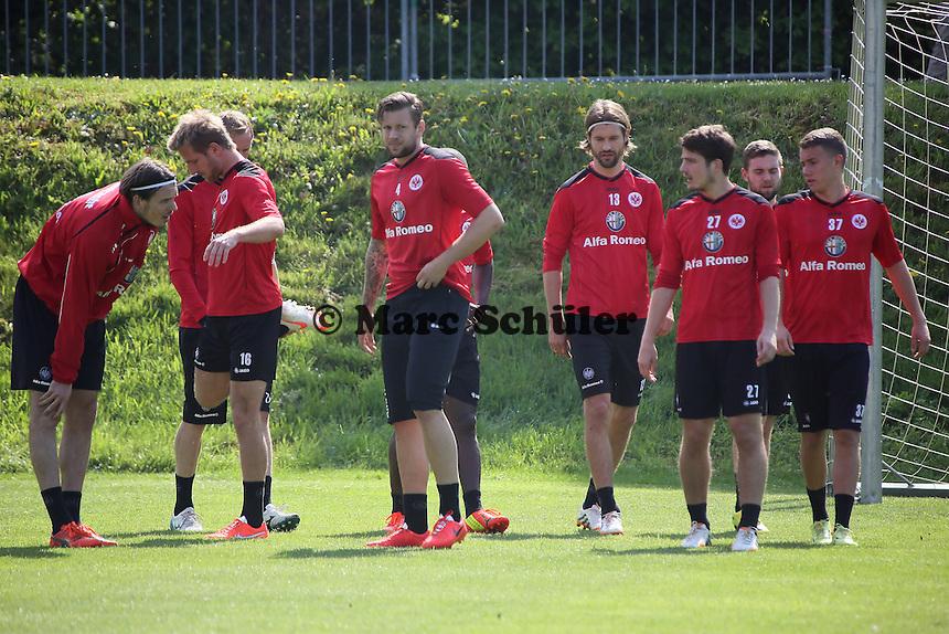 Spieler von Eintracht Frankfurt - Eintracht Frankfurt Training, Commerzbank Arena