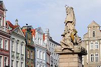 Nepomuk-Statue am alten Marktplatz (Stary Rynek) in Posnan (Posen), Woiwodschaft Gro&szlig;polen (Wojew&oacute;dztwo wielkopolskie), Polen Europa<br /> St.Nepomuk at Old Market Place (Stary Rynek) in Pozan, Poland, Europe