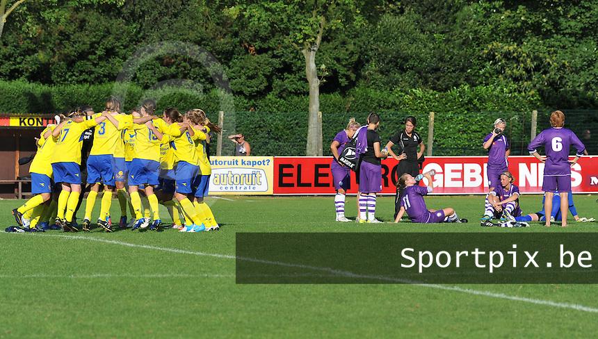 Beerschot Dames - STVV  Sint-Truiden VV Dames :.vreugde na de wedstrijd bij STVV naast de ontgoocheling van Beerschot.foto JOKE VUYLSTEKE / Vrouwenteam.be