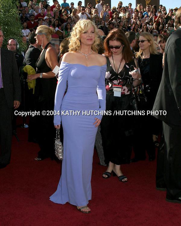©2004 KATHY HUTCHINS /HUTCHINS PHOTO.56TH ANNUAL PRIMETIME EMMY'S.SHRINE AUDITORIUM.LOS ANGELES, CA.SEPTEMBER 19, 2004..BONNIE HUNT