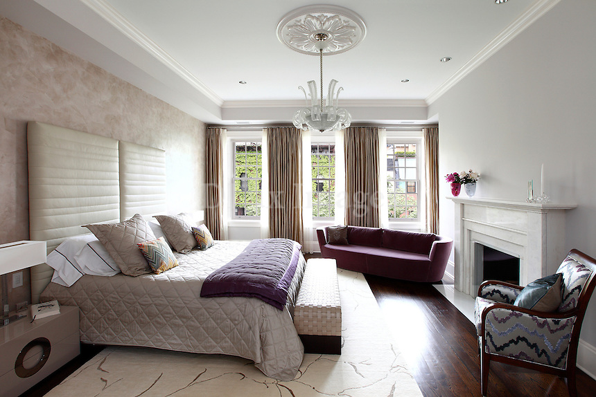 neoclassical luxury bedroom  This magnificent and gracious townhouse  originally built in 1870 is nestled. House of Eleni Andreopoulou  New York  USA   DLux Images
