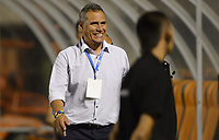 ENVIGADO - COLOMBIA, 02-09-2017: Hernan Torres técnico de America de Cali gesticula durante el encuentro con Envigado FC por la fecha 11 de la Liga Águila II 2017 realizado en el Polideportivo Sur de la ciudad de Envigado. / Hernan Torres coach of America de Cali gestures during match against Envigado FC for the date 11 of the Aguila League II 2017 played at Polideportivo Sur in Envigado city.  Photo: VizzorImage/ León Monsalve / Cont