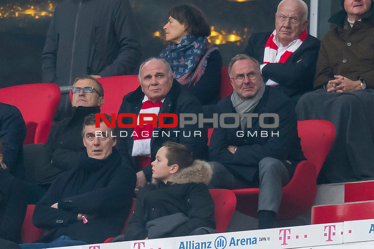 03.11.2018, Allianz Arena, Muenchen, GER, 1.FBL,  FC Bayern Muenchen vs. SC Freiburg, DFL regulations prohibit any use of photographs as image sequences and/or quasi-video, im Bild Uli Hoeness (Praesident FCB) Karl-Heinz Rummenigge (Vorstandsvorsitzender FCB) <br /> <br />  Foto © nordphoto / Straubmeier