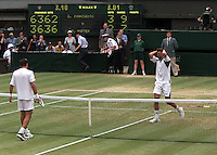 WIMBLEDON CHAMPIONSHIPS 2001 09/07/01 MENS FINAL GORAN IVANISEVIC (CROATIA) V PAT RAFTER GORAN IVANISEVIC BEATS PAT RAFTER IN FIVE SETS PHOTO ROGER PARKER