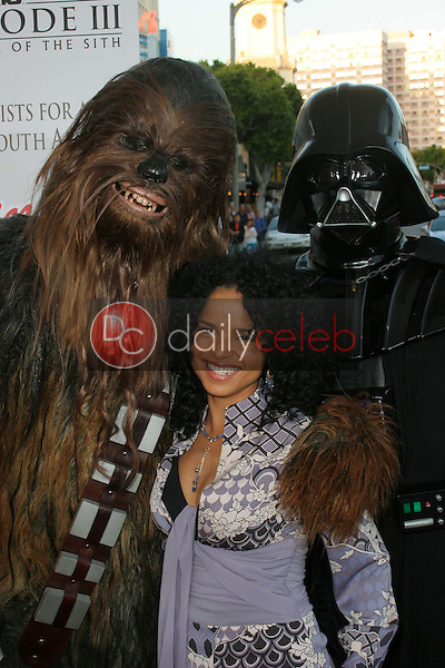 Victoria Rowell and Chewbacca<br />