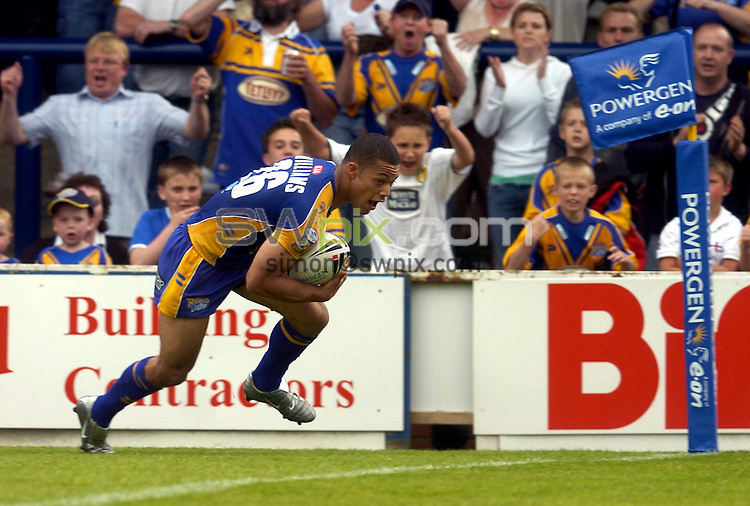 PICTURE BY VAUGHN RIDLEY/SWPIX.COM -  Rugby League - Powergen Challenge Cup - Leeds v Harlequins - Leeds, England - 04/06/06...? Simon Wilkinson - 07811 267706...Leeds' Danny Williams scores his second try of the match.
