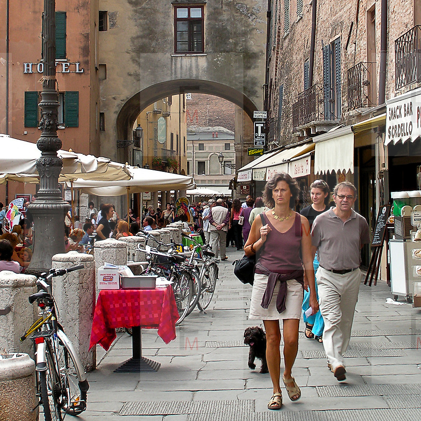 Festivaletteratura offers five days of readings, meetings with writers and shows. Since 1997 Festivaletteratura has become a regular rendez-vous for book lovers to meet writers, and actors in the piazzas and streets of Mantua.<br /> <br /> Old Town