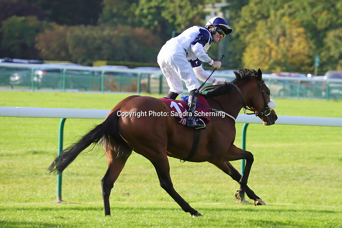 October 06, 2019, Paris (France) - Glass Slippers (11) with T.A. Eaves up wins the Prix de l'Abbaye (Gr 1) on October 6 in ParisLongchamp. [Copyright (c) Sandra Scherning/Eclipse Sportswire)]