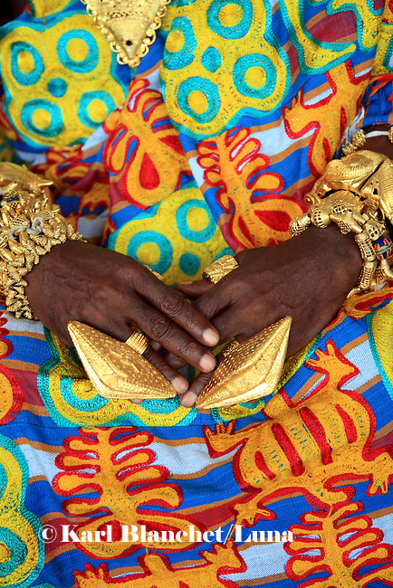 The hands of the chief of NKoranza are covered with golden rings and bracelet. The Chief of NKoranza spent twenty years of his life in Edgware road, London, until the family asked him to come back to Ghana to become king.