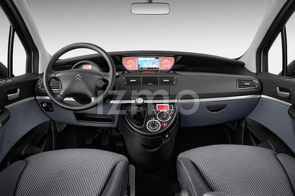 Straight dashboard view of a 2002 - 2014 Citroen C8 Airplay Minivan.