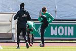 12.03.2020, Trainingsgelaende am wohninvest WESERSTADION,, Bremen, GER, 1.FBL, Werder Bremen Training, im Bild<br /> <br /> Yuya Osako (Werder Bremen #08)<br /> Günther / Guenther Stoxreiter (Athletik-Trainer Werder Bremen)<br /> <br /> Foto © nordphoto / Kokenge