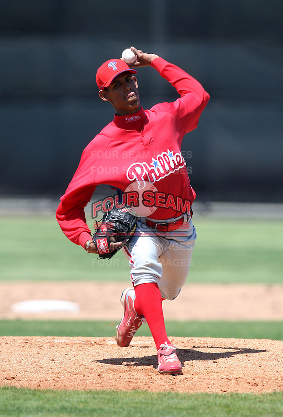 March 30, 2010:  Pitcher Ervis Manzanillo of the Philadelphia Phillies organization during Spring Training at the Carpenter Complex in Clearwater, FL.  Photo By Mike Janes/Four Seam Images