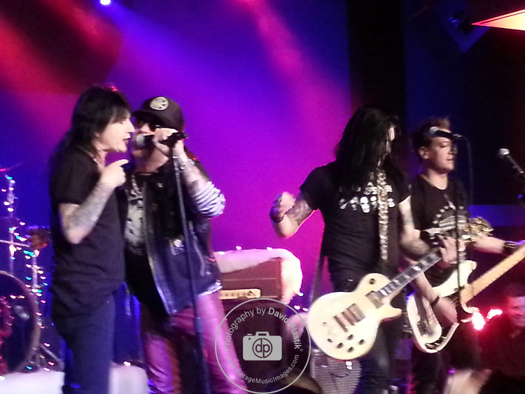 Taime Downe & Phil Lewis with The Sin City Sinners